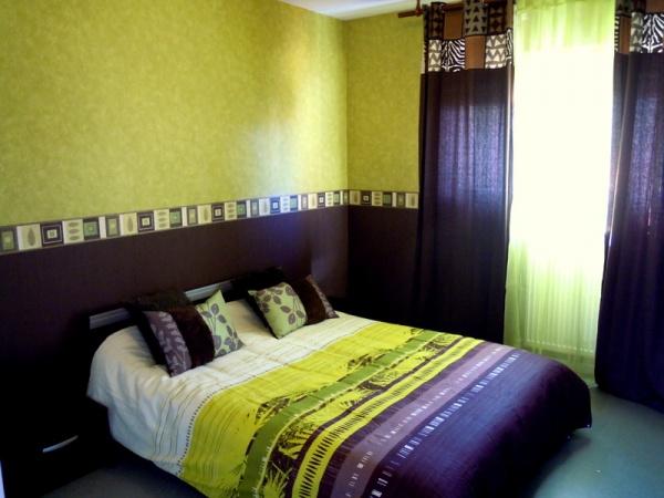 decoration chambre vert anis et chocolat visuel 4. Black Bedroom Furniture Sets. Home Design Ideas