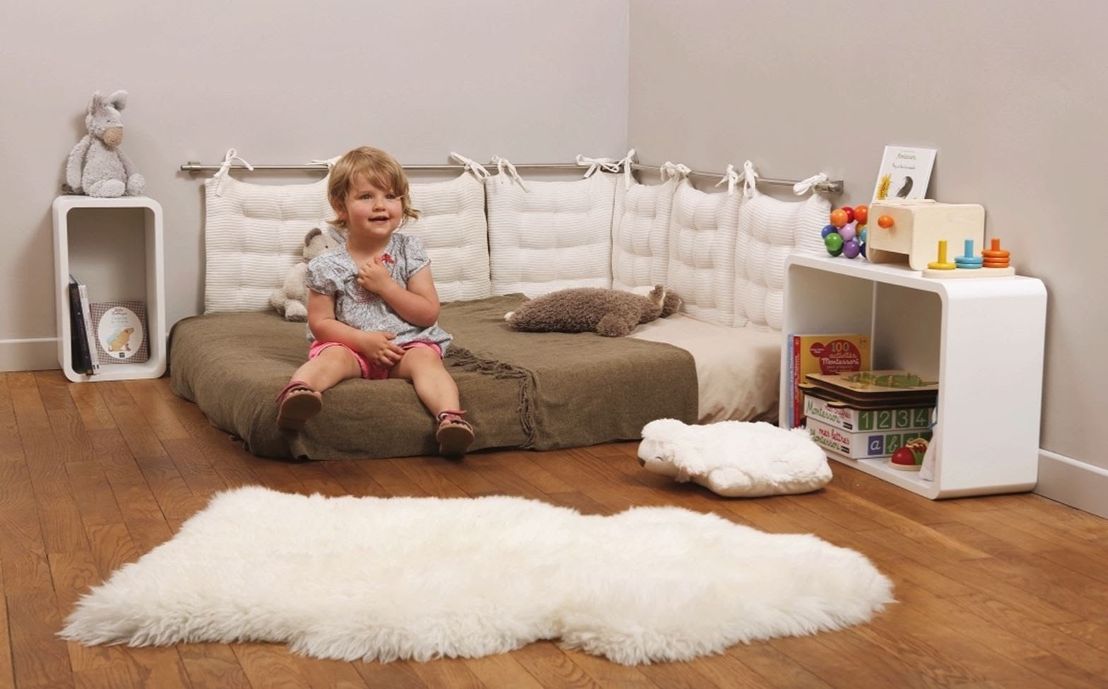 Lit bebe sans barreau montessori - Fabriquer lit montessori ...
