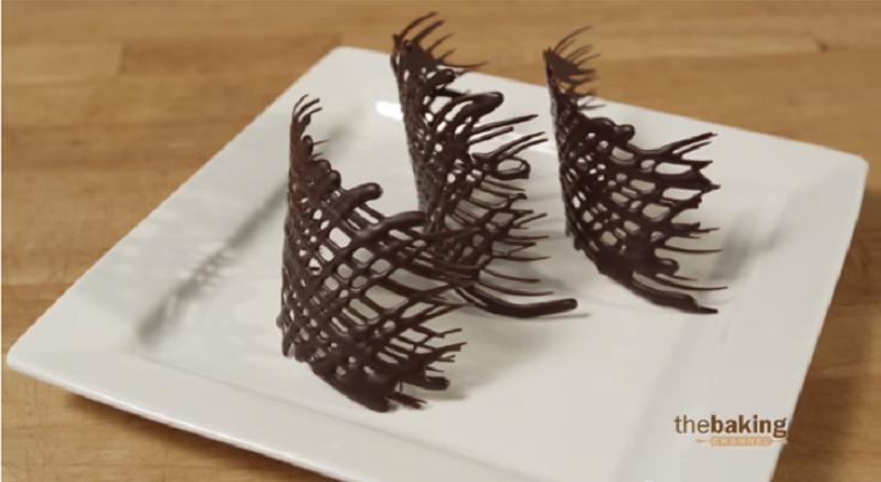 comment faire decoration en chocolat visuel 2. Black Bedroom Furniture Sets. Home Design Ideas
