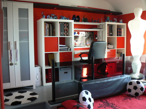 deco chambre ado noir et rouge. Black Bedroom Furniture Sets. Home Design Ideas
