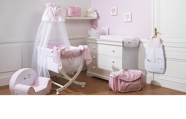 deco chambre bebe princesse visuel 2. Black Bedroom Furniture Sets. Home Design Ideas
