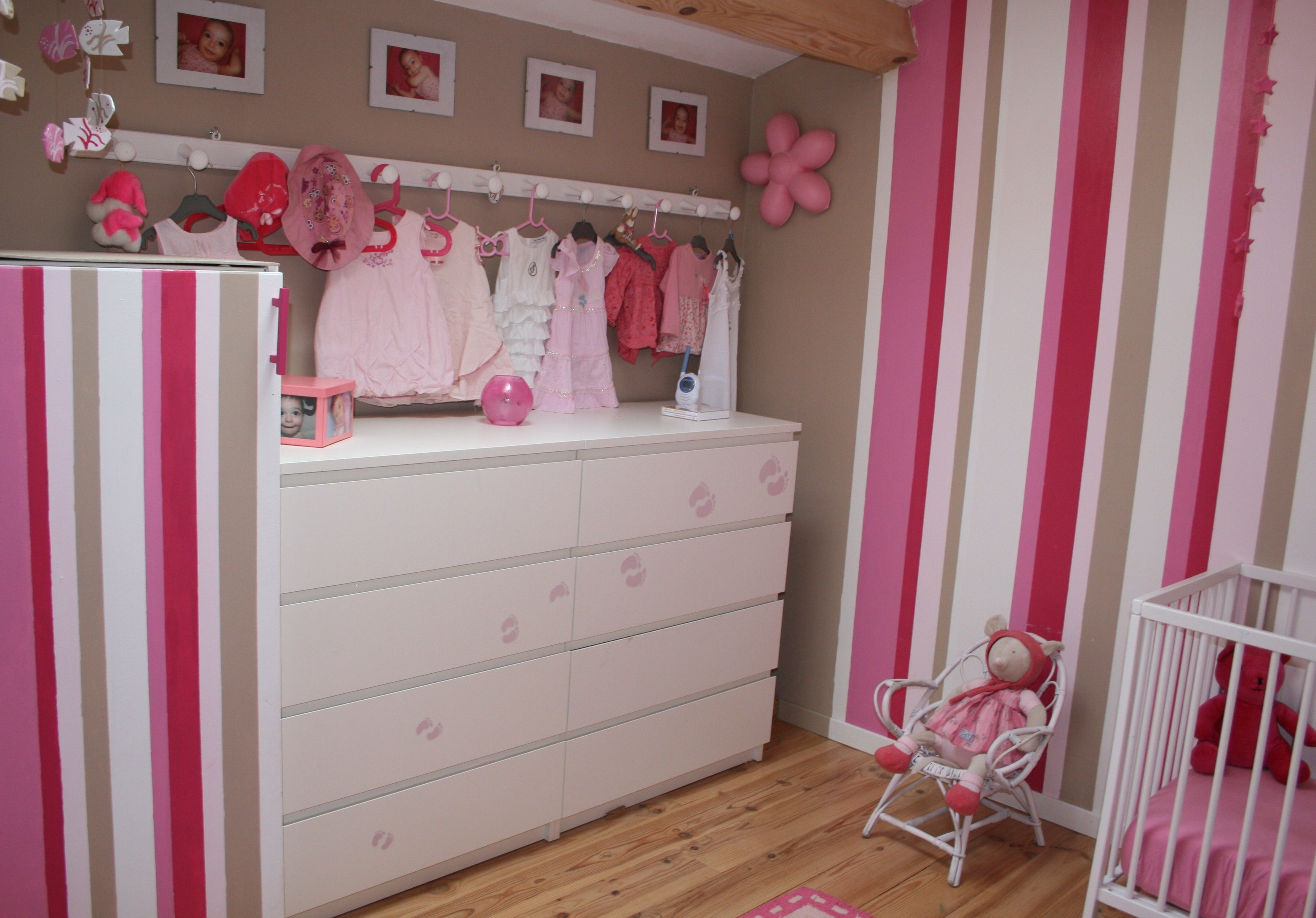 deco chambre de bebe fille. Black Bedroom Furniture Sets. Home Design Ideas