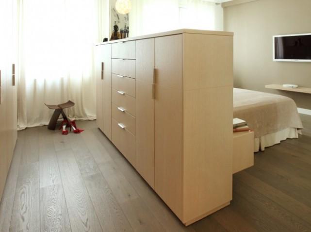 Dressing dans une chambre vue de de la chambre avec for Miroir dans une chambre