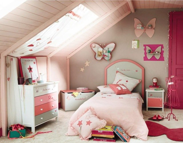 deco chambre fille sous pente visuel 1. Black Bedroom Furniture Sets. Home Design Ideas