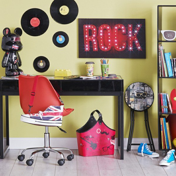 deco pour chambre ado rock. Black Bedroom Furniture Sets. Home Design Ideas