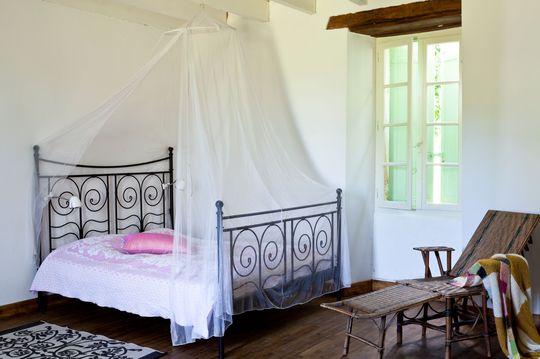 decoration chambre avec lit fer forge visuel 4