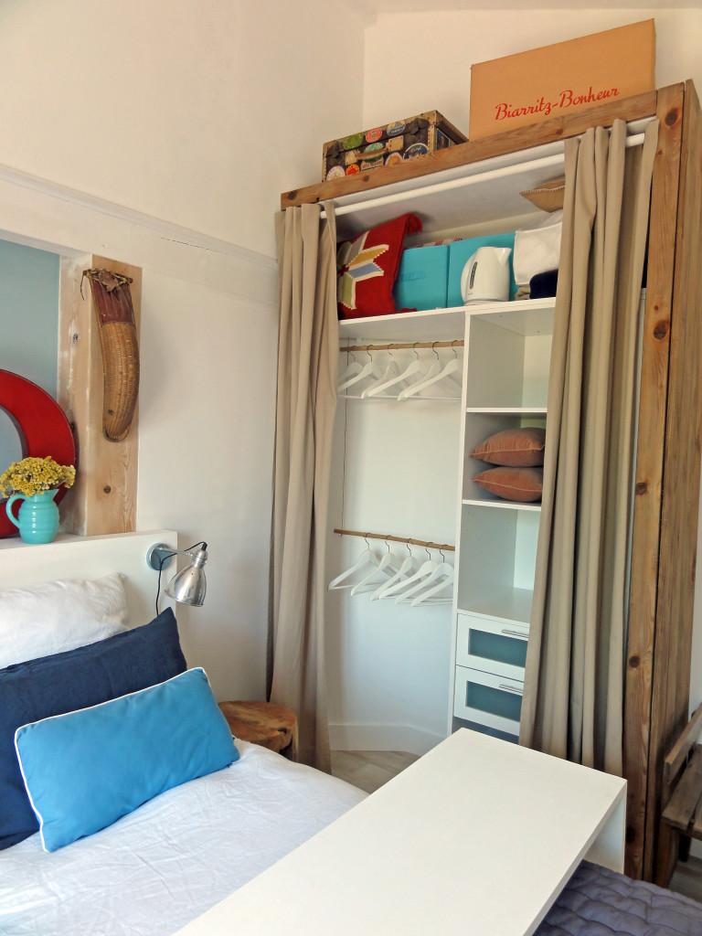astuce rangement petite chambre visuel 8. Black Bedroom Furniture Sets. Home Design Ideas