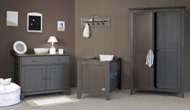 deco gris taupe stunning gallery of peinture salle a manger taupe pour idees de deco de cuisine. Black Bedroom Furniture Sets. Home Design Ideas