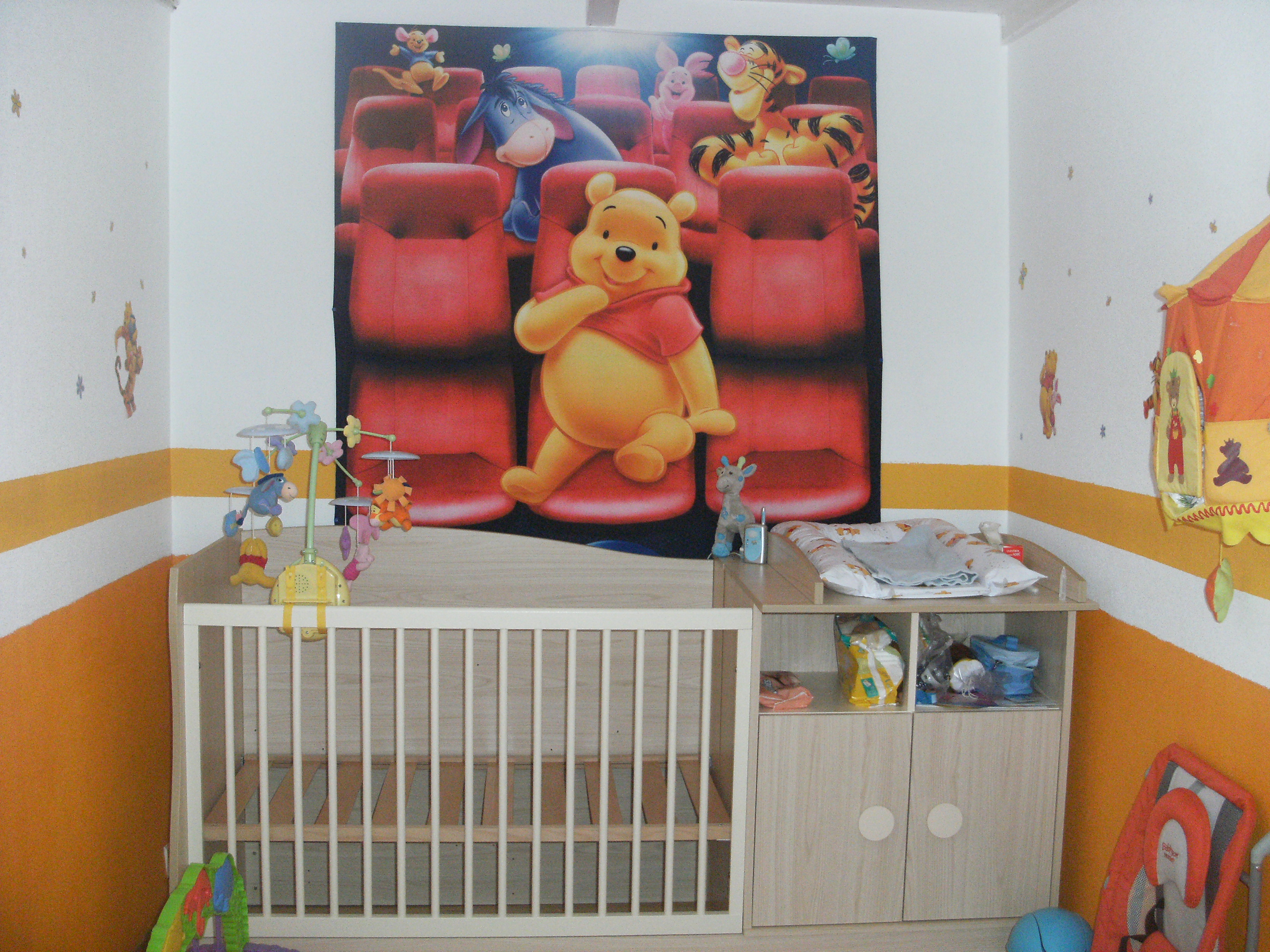 Deco chambre bebe garcon ourson for Chambre winnie l ourson