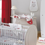 decoration chambre bebe rouge