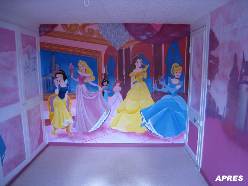 Decoration chambre fille princesse disney visuel 8 for Chambre fille princesse