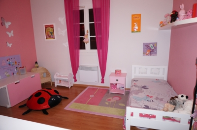 deco chambre petite fille 3 ans visuel 2. Black Bedroom Furniture Sets. Home Design Ideas