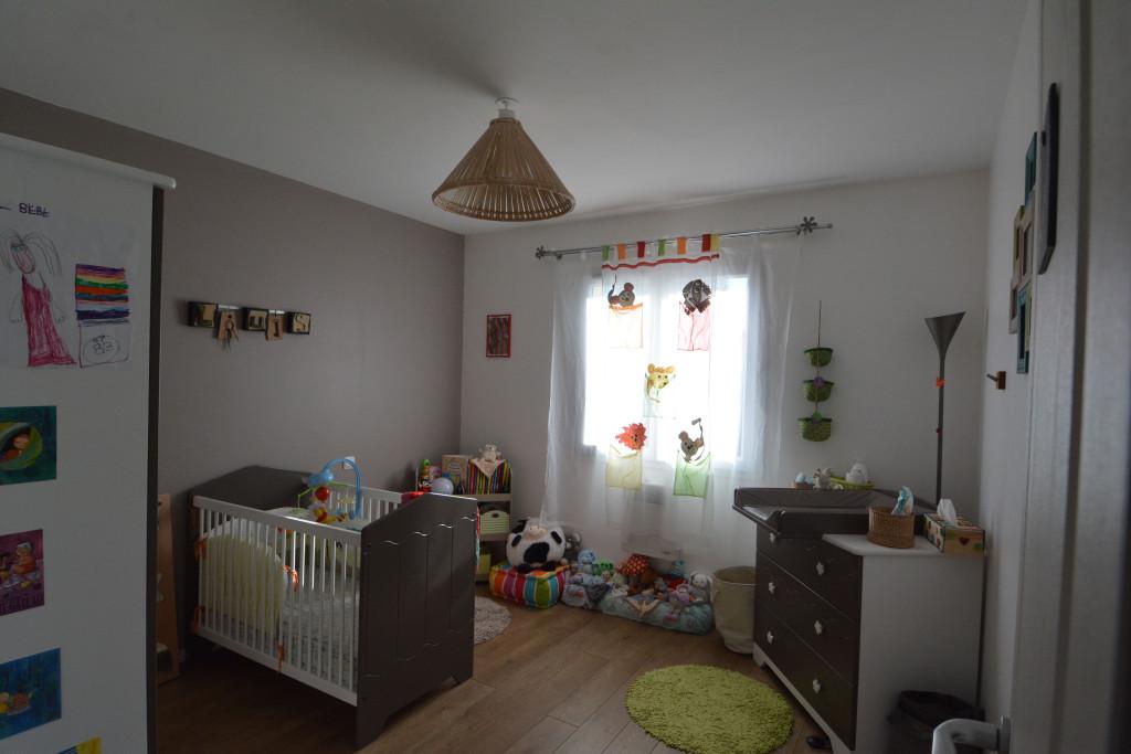 decoration chambre fille taupe visuel 3. Black Bedroom Furniture Sets. Home Design Ideas