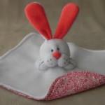 faire un doudou lapin