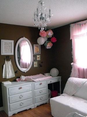 decoration chambre fille romantique visuel 3. Black Bedroom Furniture Sets. Home Design Ideas