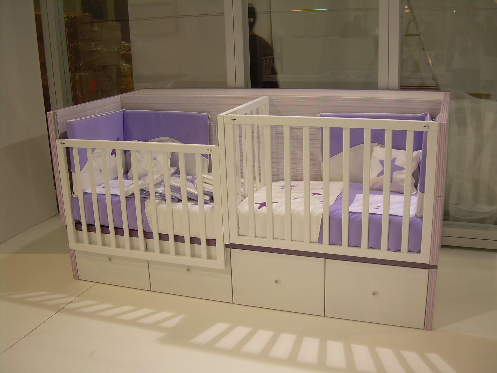 lit pour bb jumeaux. Black Bedroom Furniture Sets. Home Design Ideas