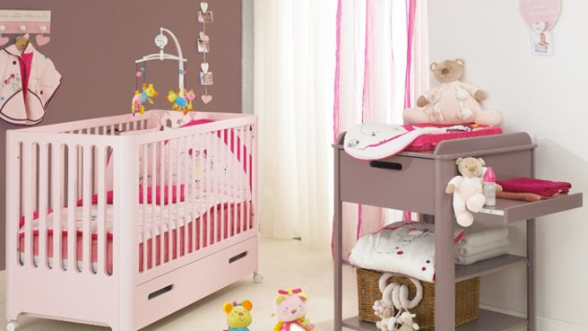 deco chambre bebe fille taupe et rose visuel 3. Black Bedroom Furniture Sets. Home Design Ideas