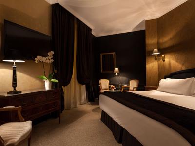 deco chambre noir et or visuel 6. Black Bedroom Furniture Sets. Home Design Ideas