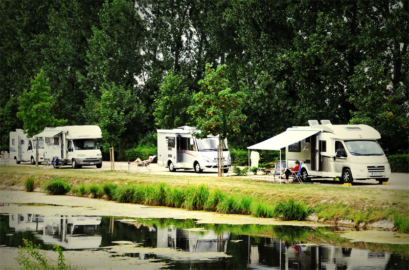 circuit chateaux de la loire en camping car. Black Bedroom Furniture Sets. Home Design Ideas