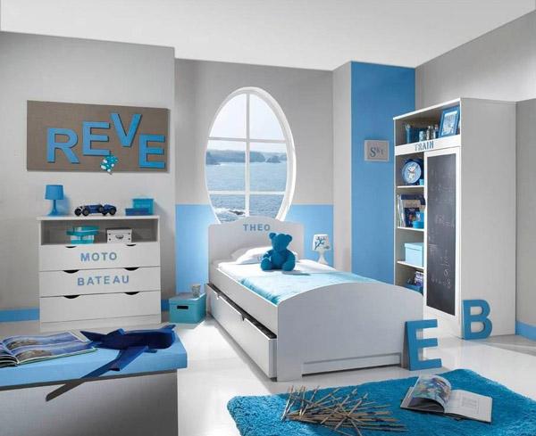 Deco chambre garcon bleu et blanc - Idee rangement chambre garcon ...