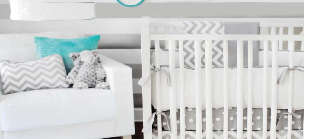 decoration tour de lit bebe visuel 9. Black Bedroom Furniture Sets. Home Design Ideas