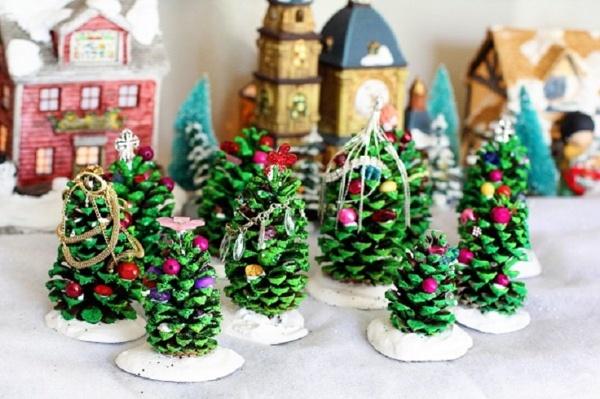 Décoration De Noel Pomme De Pin Décoration De Noël Déco écolo